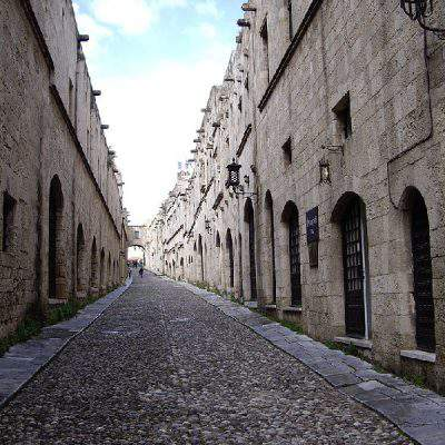 Rhodes foto: Old town by Caravel Apartment Hotel
